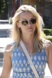 Reese Witherspoon Refueling Her Car, Brentwood, August 2015