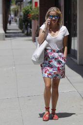 Reese Witherspoon Style - Santa Monica, August 2015