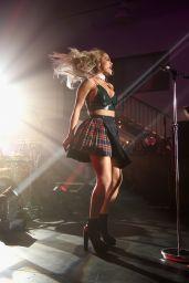 Rita Ora Singing at Samsung Studio in Los Angeles, August 2015