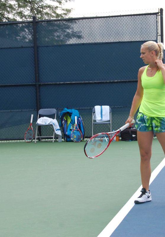 Sabine Lisicki - 2015 WTA Cincinnati Training