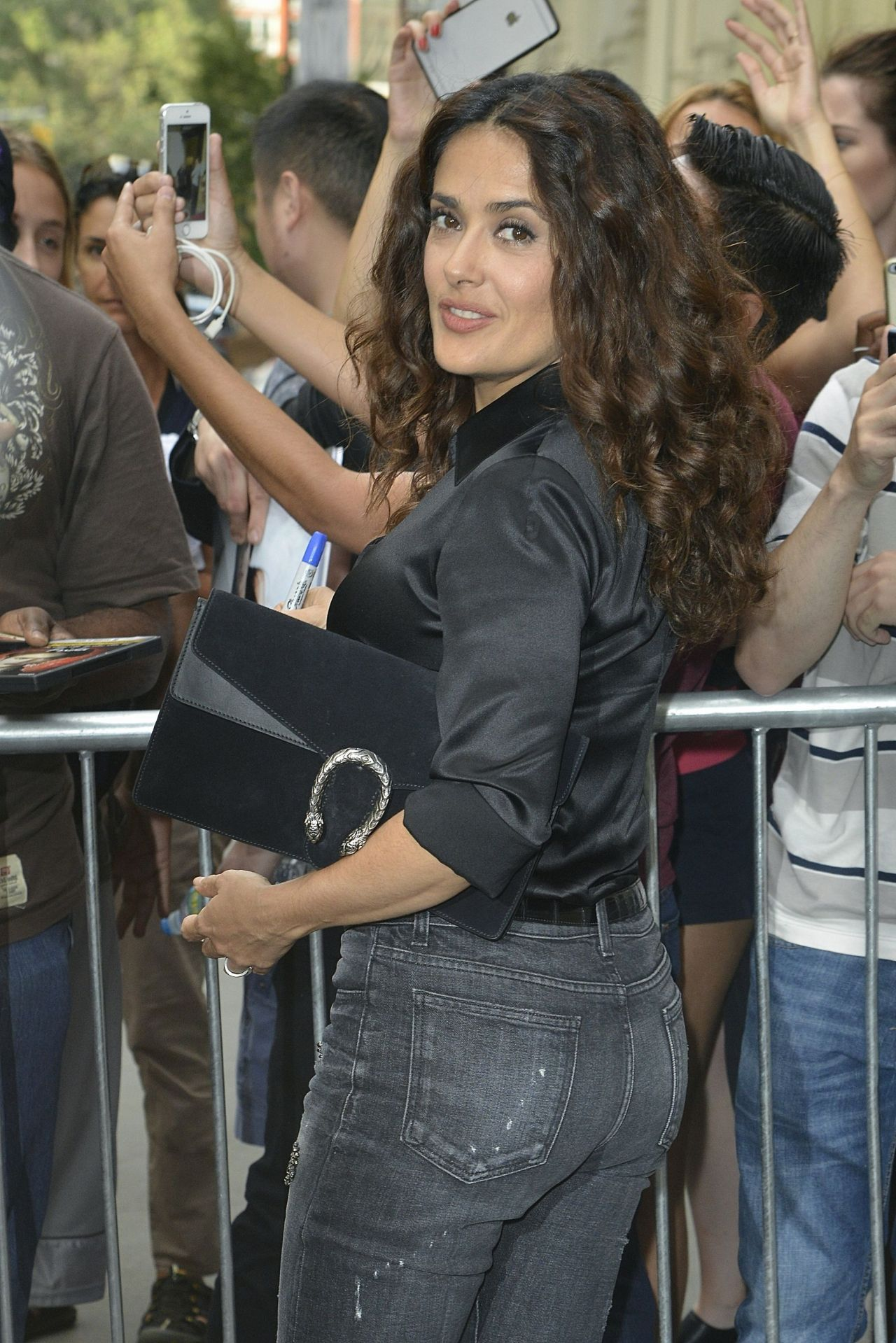 Salma Hayek Booty In Jeans At The Apple Store In Ny