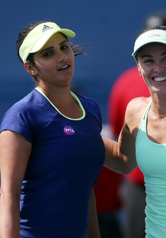 Sania Mirza & Martina Hingis - 2015 Rogers Cup in Toronto -  Day 4