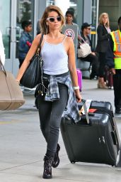 Sarah Hyland Airport Style - Pearson International Airport in Toronto, August 2015