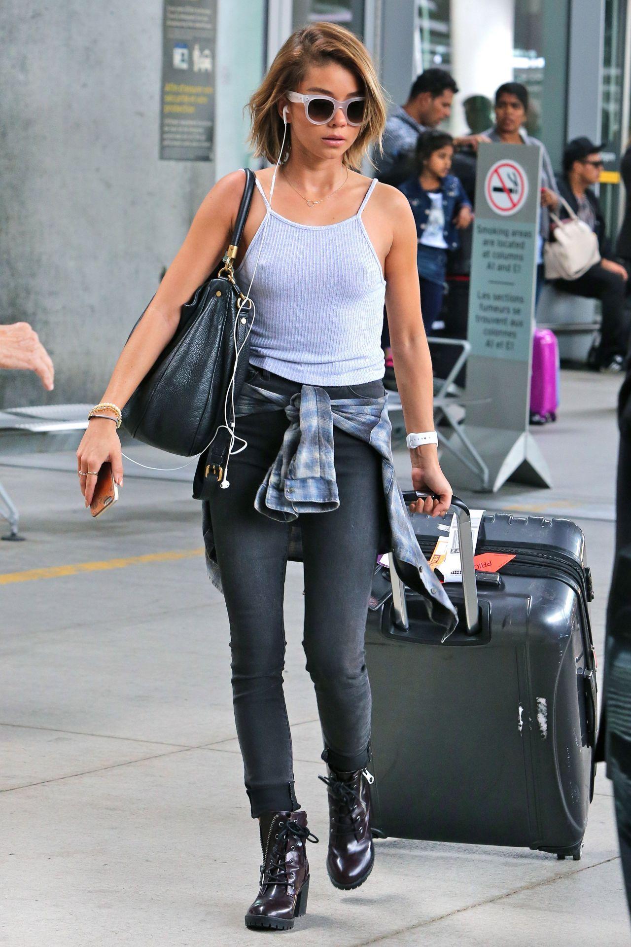 Sarah Hyland Lufthavn Style - Pearson International Airport-8584