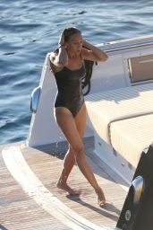 Sarah Jessica Parker in a Swimsuit in Ibiza, August 2015