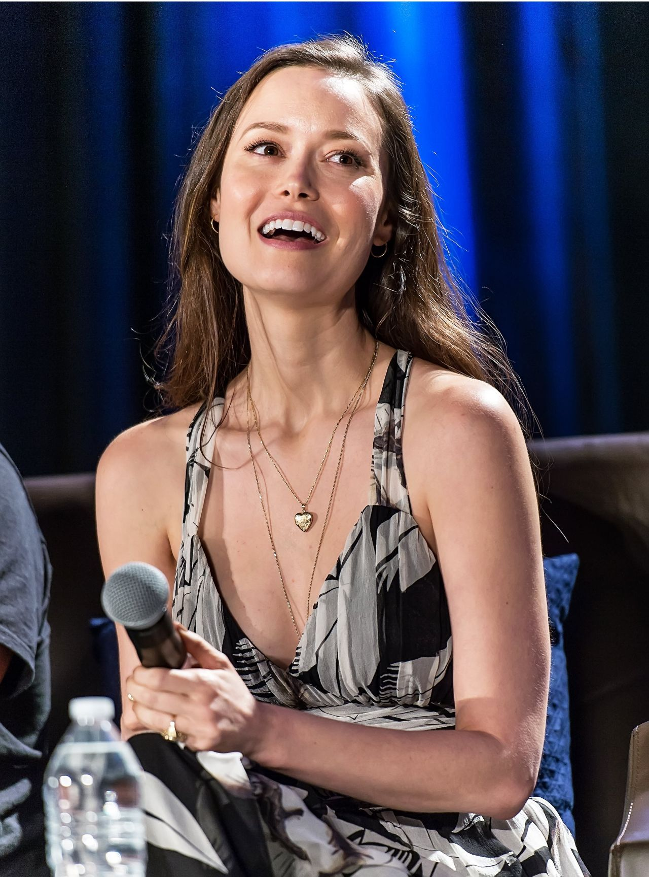 Summer Glau Firefly Panel At Chicago Comic Con