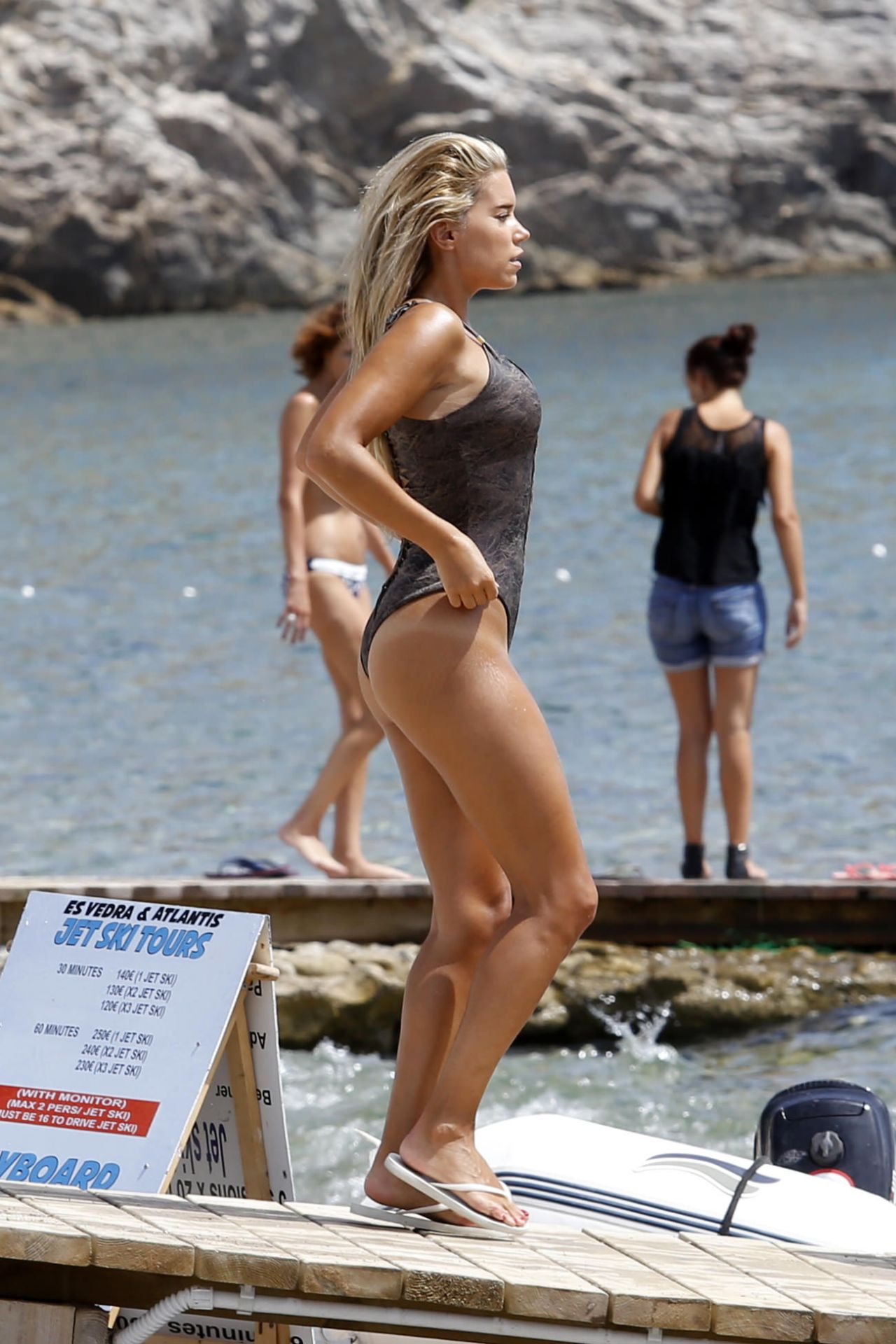 Sylvie Meis in Black Bikini on the beach in Miami Pic 35 of 35