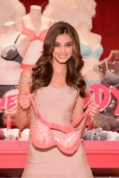 Taylor Marie Hill - Body by Victoria Launch Tour in Chicago, August 2015