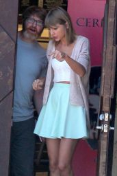 Taylor Swift - Out in Studio City, August 2015