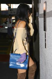 Vanessa Hudgens Has a Broken Arm at a Medical Center in Los Angeles, August 2015