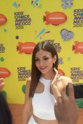 Victoria Justice - Kids Choice Awards Mexico 2015