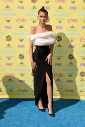 Zendaya - 2015 Teen Choice Awards in Los Angeles