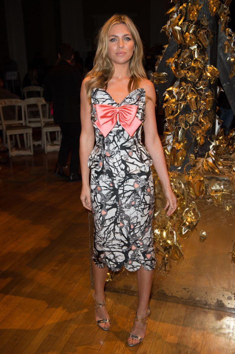 Abbey Clancy Giles Show London Fashion Week Ss2016
