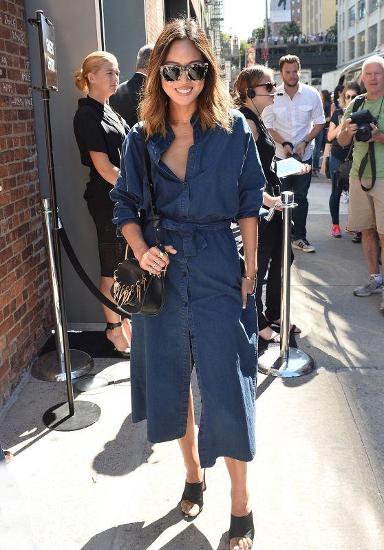 Aimee Song - Vera Wang Show at New York Fashion Week, September 2015