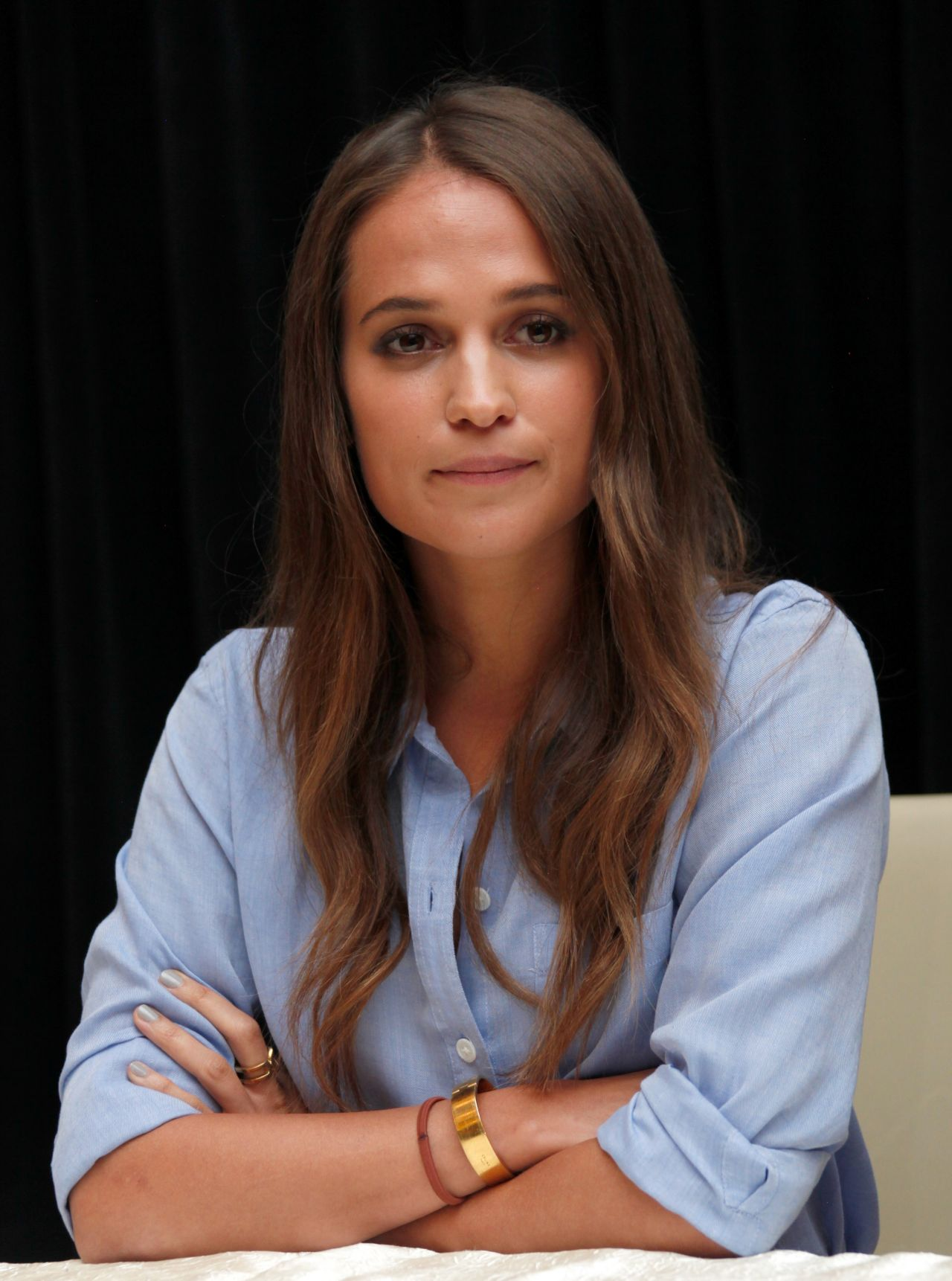 Alicia Vikander       ...