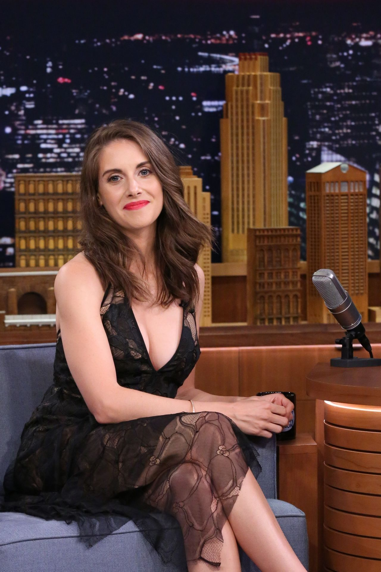 Alison Brie The Tonight Show With Jimmy Fallon In New