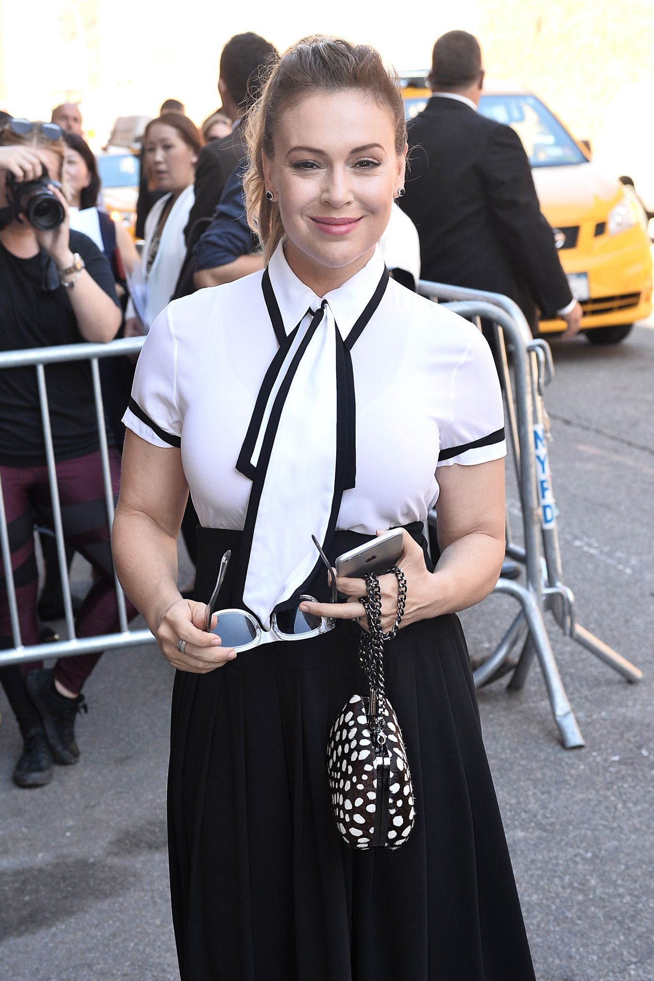 Alyssa Milano Alice Olivia By Stacey Bendet Fashion