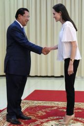 Angelina Jolie - Peace Palace in Phnom Penh, September 2015