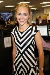 AnnaSophia Robb - Annual Charity Day Hosted by Cantor Fitzgerald and BGC in NYC