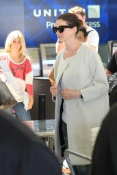 Anne Hathaway Airport Style - LAX, September 2015
