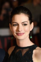 Anne Hathaway – 'The Intern' Premiere in London