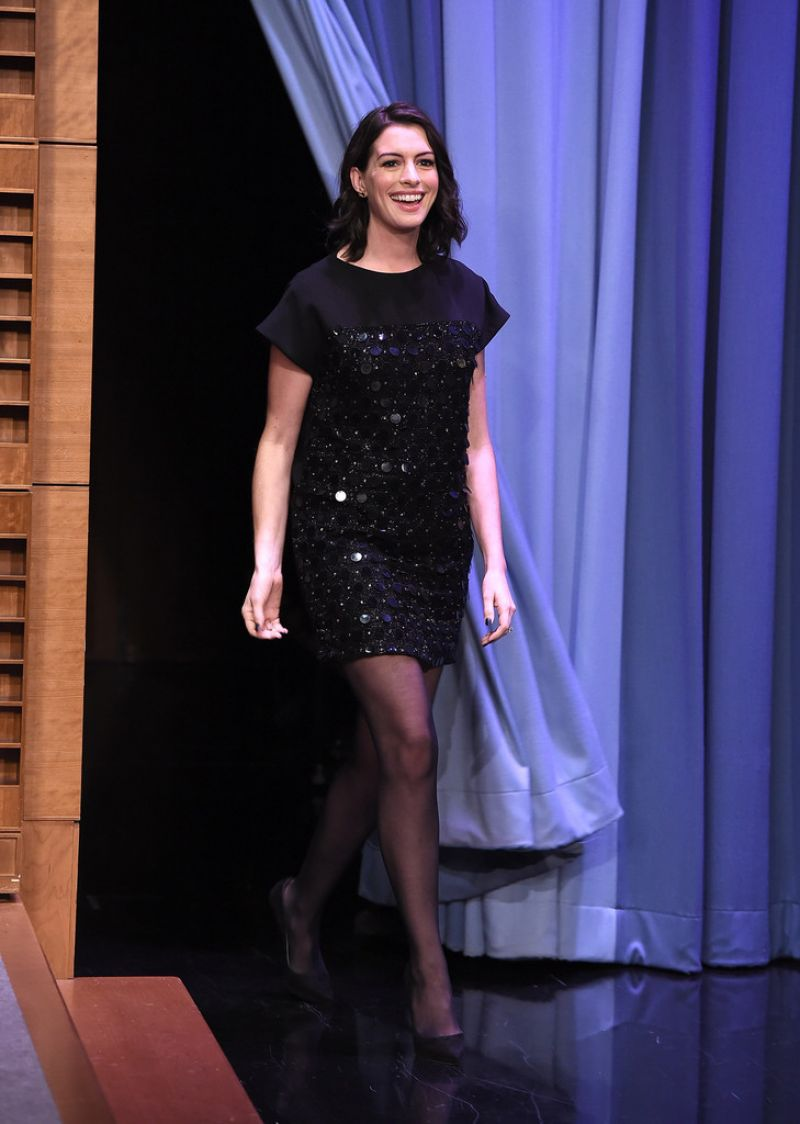 Anne hathaway in late night with jimmy fallon 2012 - 5 4