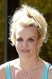 Britney Spears Arrives at Dance Studio in Westlake Village, September 2015
