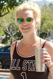 Britney Spears at Toys´R Us - Running Errands in Westlake Village, September 2015
