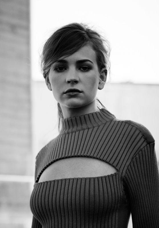 Britt Robertson – 2015 Flaunt Magazine Issue #143 Pics