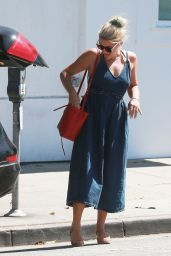 Busy Philipps Casual Style - Out in Beverly Hills, August 2015