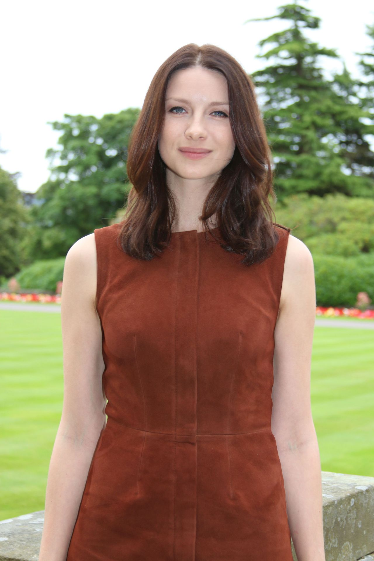 Caitriona balfe in outlander 2 8