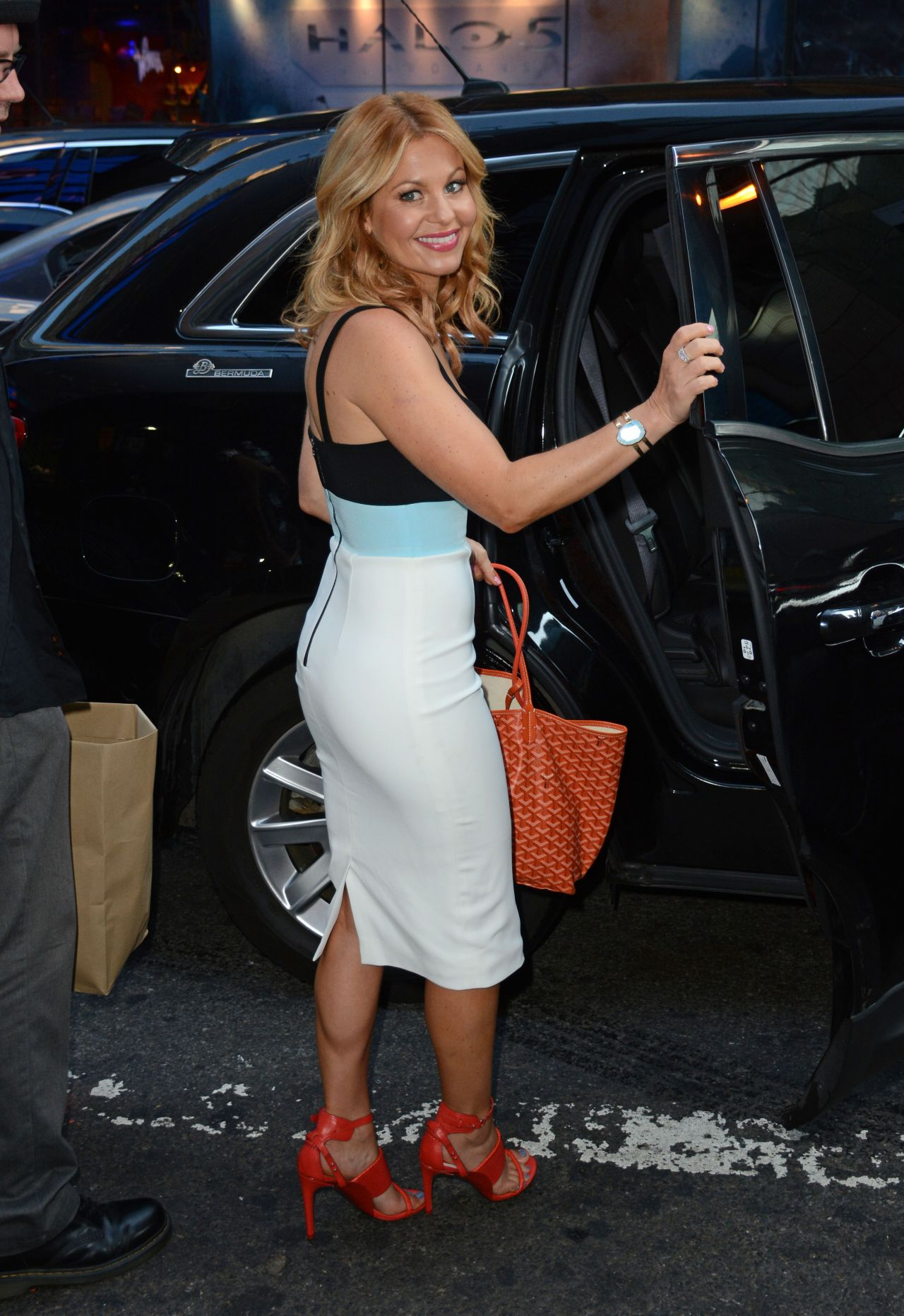Candace Cameron Bure Out In Nyc September 2015