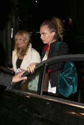Cara Delevingne and Kate Moss - Having Dinner at Bice in Milan, September 2015