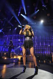 Carrie Underwood Performs at Apple Music Festival in London, September 2015