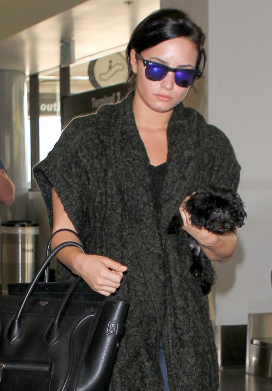 Demi Lovato - at LAX Airport, September 2015