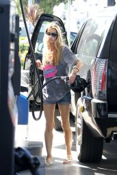 Denise Richards Getting Gas in Malibu, September 2015