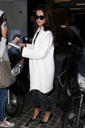 elena Gomez Leaving the Louis Vuitton Office in Paris, September 2015