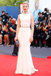 Elizabeth Banks – Opening Ceremony and Premiere of 'Everest' – 2015 Venice Film Festival