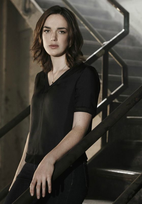 Elizabeth Henstridge - Agents of SHIELD Season 3 Promos & Stills