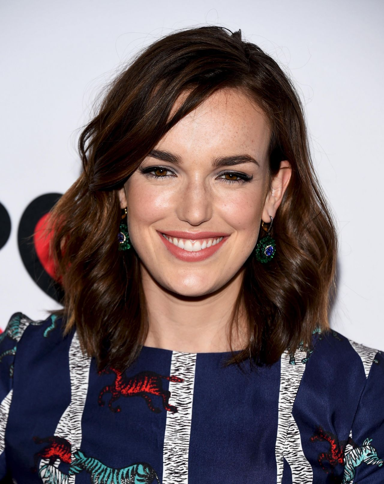 Elizabeth Henstridge Nude Photos 4