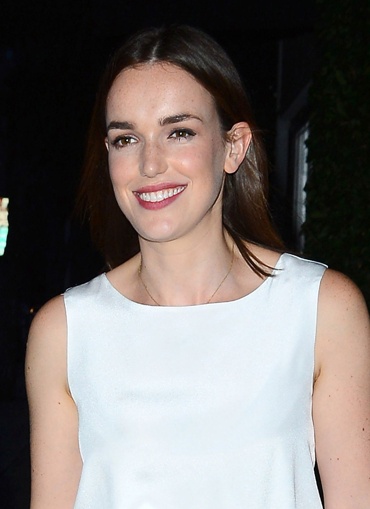 Elizabeth Henstridge Nude Photos 53