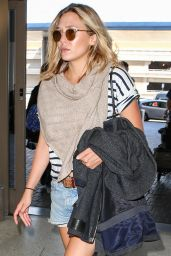 Elizabeth Olsen at LAX Airport, September 2015