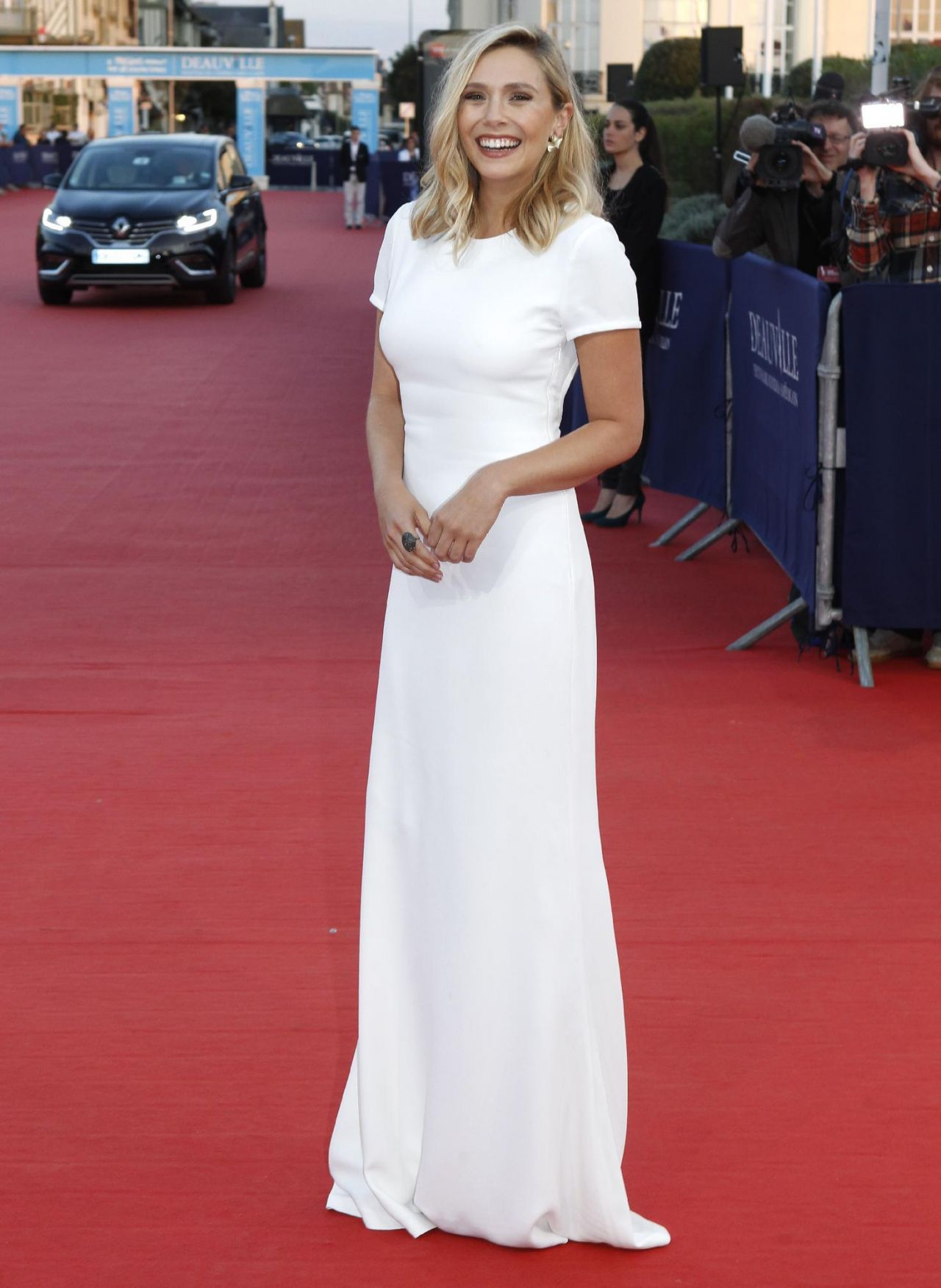 Elizabeth Olsen On Red Carpet 41st Deauville Film Festival