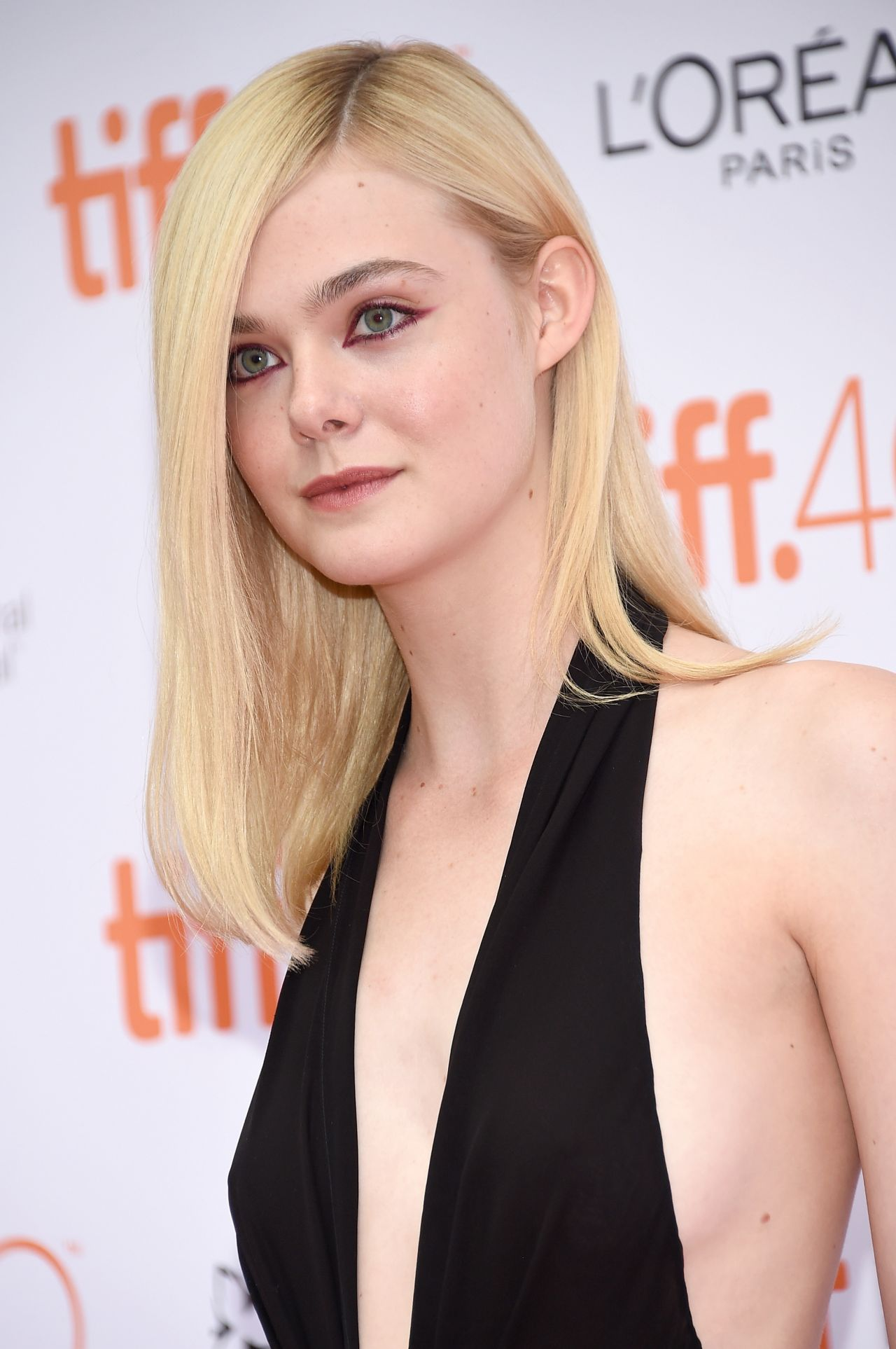 Elle Fanning  About Ray Premiere 2015 TIFF - Autumn Hairstyles