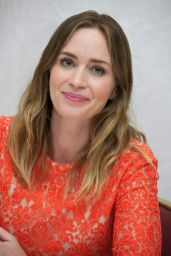 Emily Blunt - Vera Anderson
