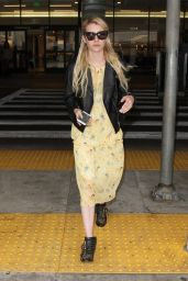 Emma Roberts Airport Style - at LAX, September 2015