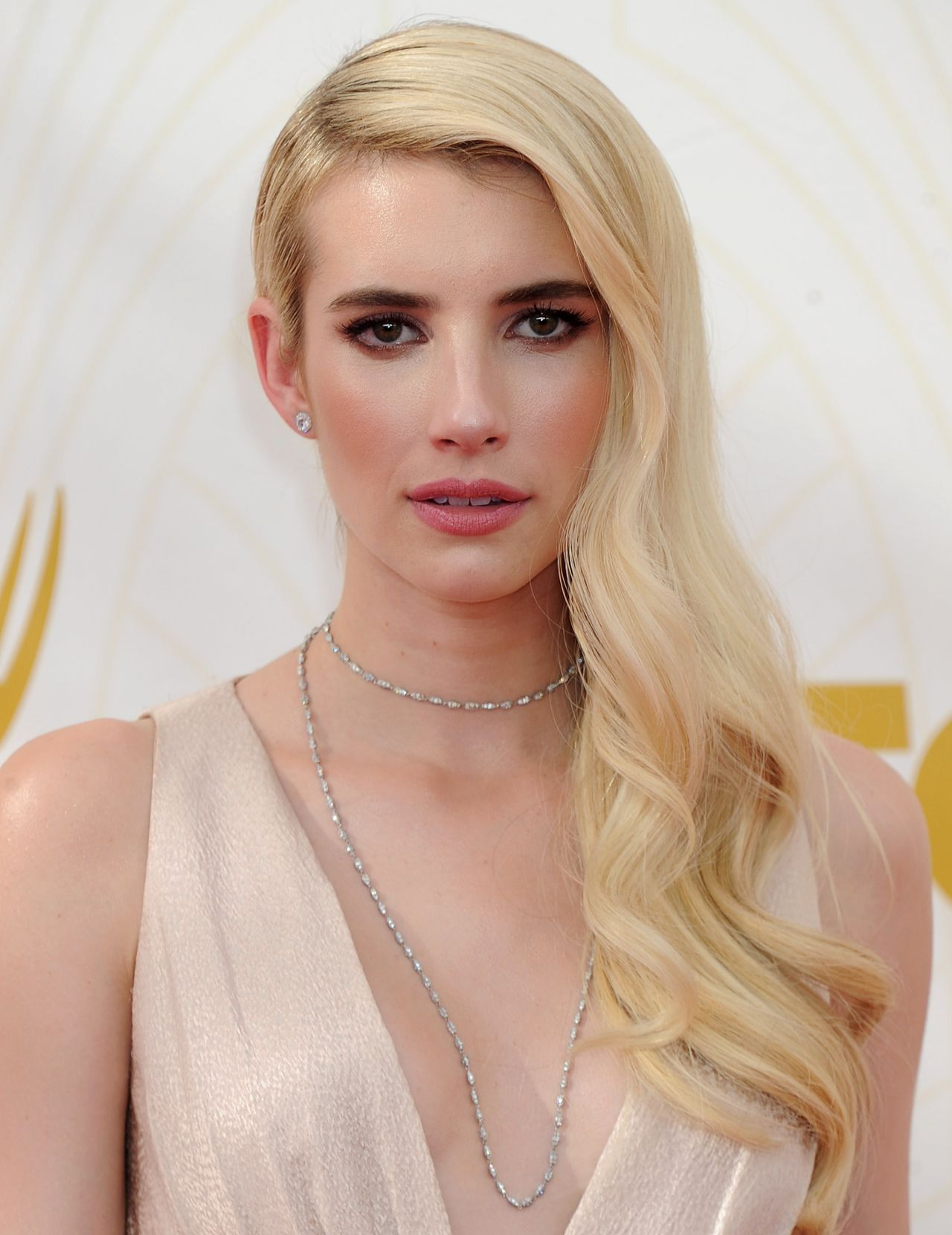 Emma Roberts on Red Ca...