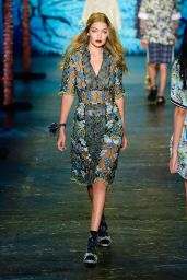 Gigi Hadid - Anna Sui Spring 2016 Show - New York Fashion Week