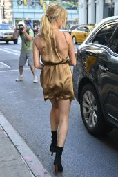 Hailey Baldwin Summer Style - Out in NYC, September 2015