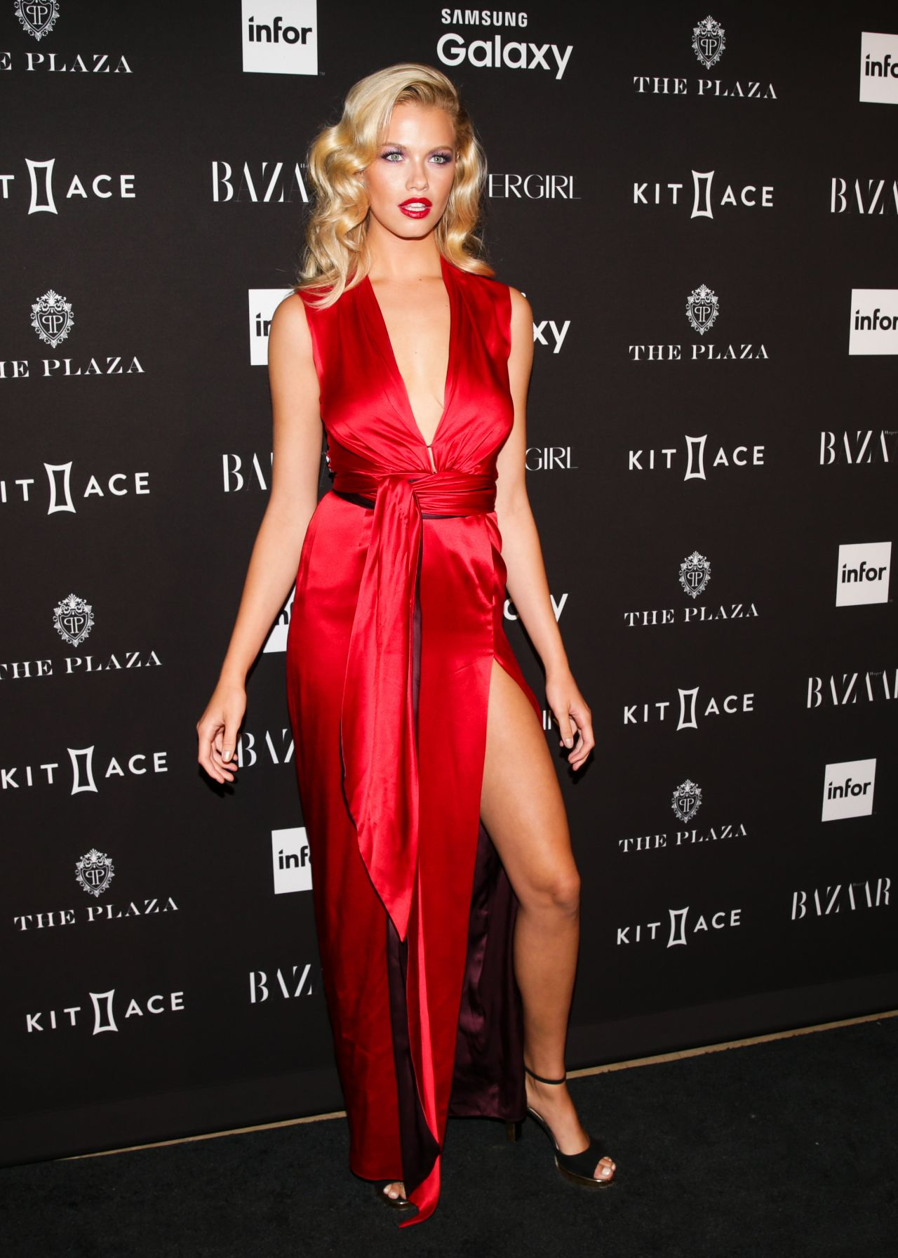Hailey Clauson – 2015 Harper's BAZAAR ICONS Event in New ...